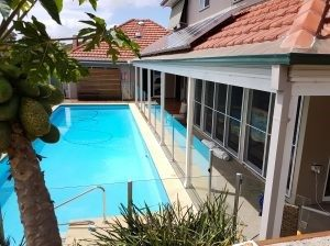 Care B&B Pool accommodation